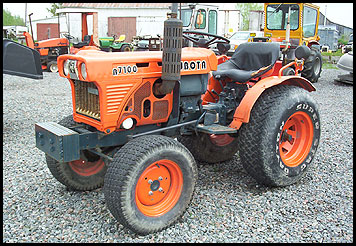 Kubota B7100 - Specifications - Attachments